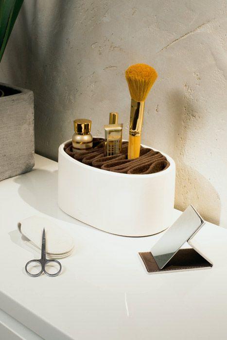 Organizer na kosmetyki i przybory do makijażu Donatella - Philippi dostępny na FabrykaForm.pl