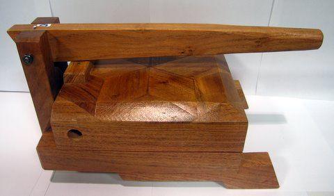 Tortilla press tortilladora de madera barnizada - Limpieza de madera barnizada ...