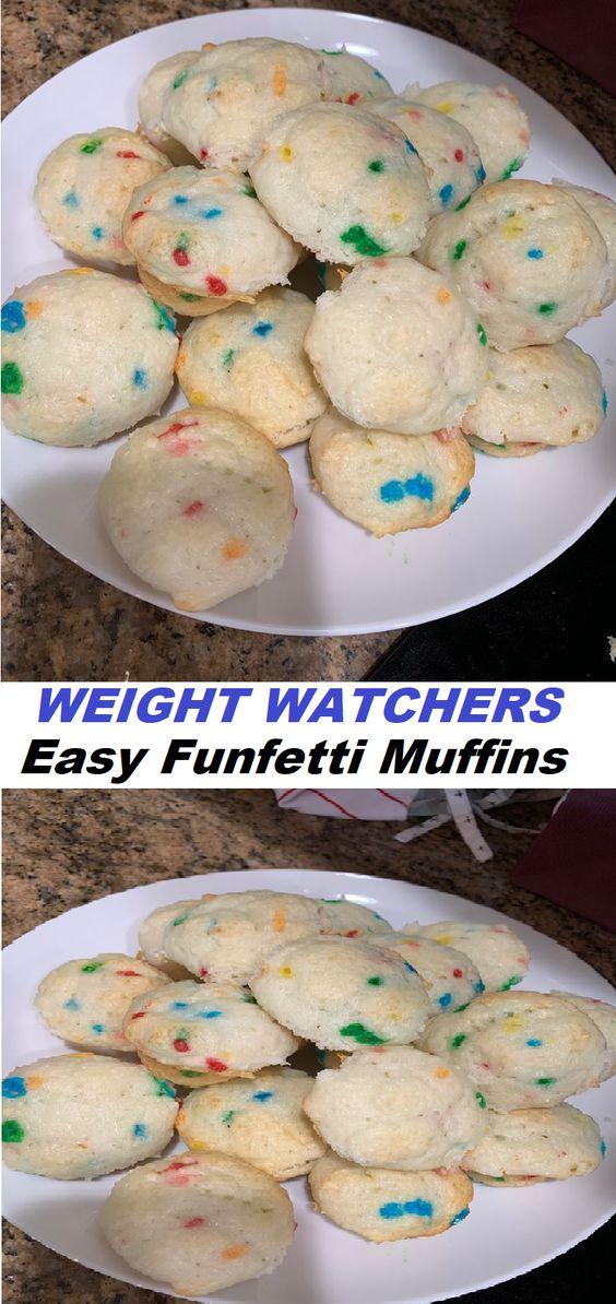 Easy Funfetti Muffins (WW)// #Easy #Funfetti #Muffins (#W#W)
