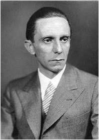 """Joseph Goebbels en el artículo """"Nazis contra el pensamiento. Se cumplen 80 años""""."""