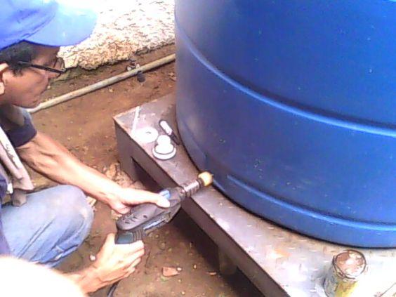 Perforando tanque pvc para flanche pl stico 3 4 salida de for Tanque hidroneumatico para agua