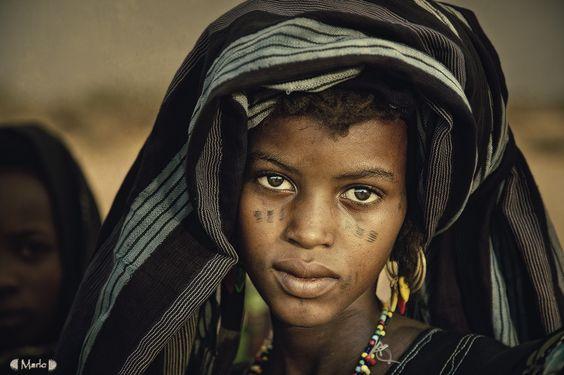 Africa | Wodaabe girl.  Niger | ©Marlo