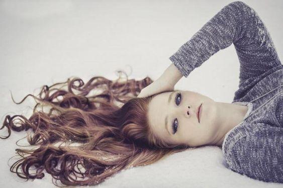Włosy kręcone - zadbaj o nie, a się odwdzięczą! #wlosy #włosy #pielęgnacja #pielegnacjawlosow #loki