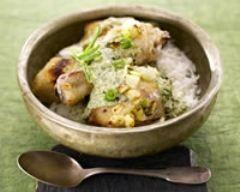 Poulet au yaourt au curry (facile, rapide) - Une recette CuisineAZ