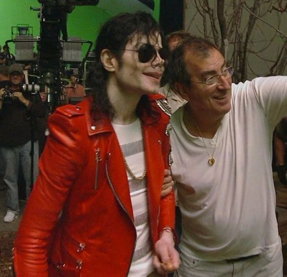 <3 Michael Jackson <3 - rare photo of Michael & Kenny Ortega (director/producer of the This is It tour) <3 Michael's smile here but so thin.