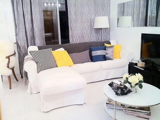Pasir Ris Condo - Living area