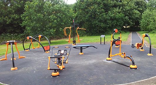 Outdoor gym equipment in birmingham out fitness - Mobiliario de gimnasio ...