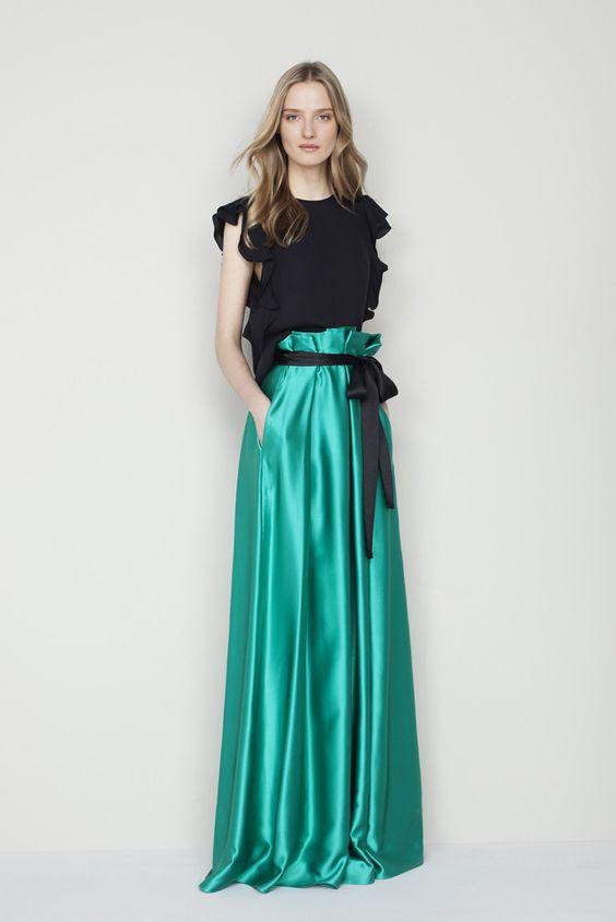 Conviértete en la invitada con más estilo: vestidos largos para bodas de invierno   Trendencias
