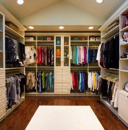43 organized closet ideas dream closets 29 clutter for Organized walk in closet