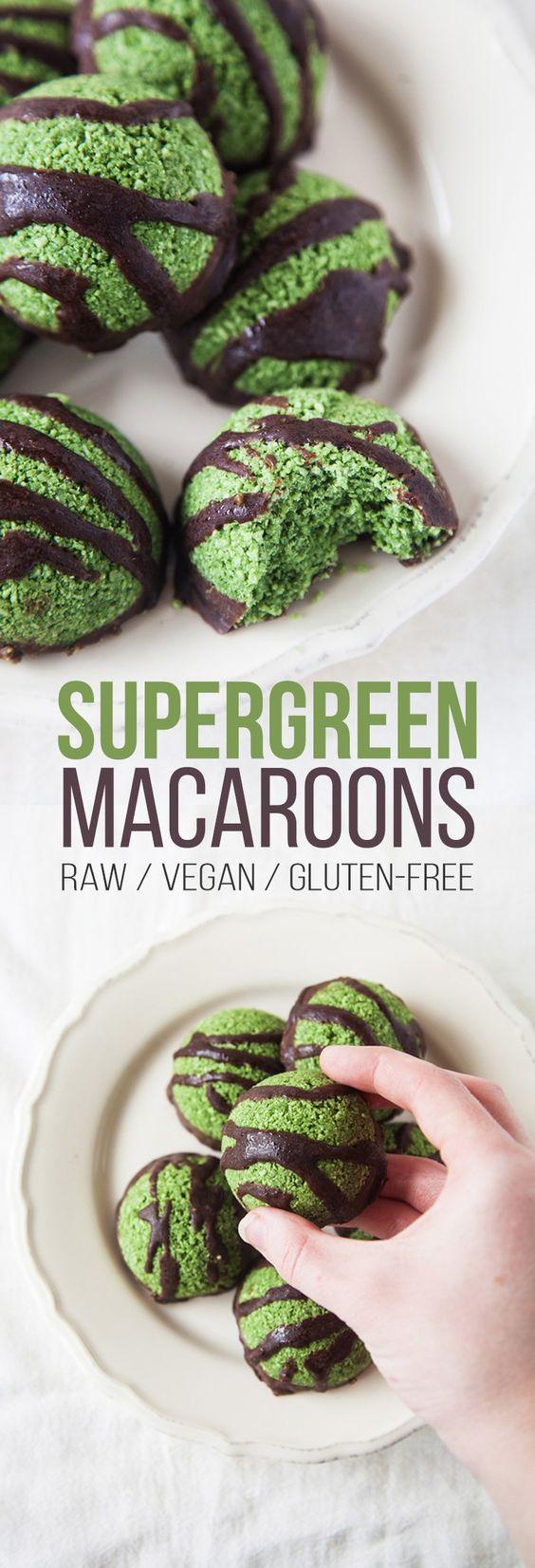 Raw Supergreen Macaroons