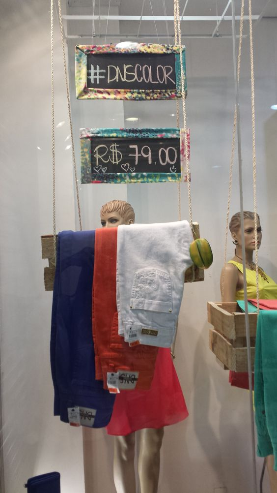 Visual Merchandising - VM Promocional da Danashe Moda #visualmerchandising #promoção #sale #fashionwindow #retail #moda