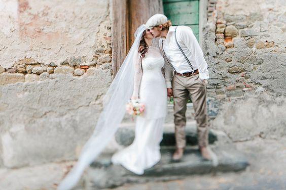 DIY Wedding in Tuscany. Read more http://www.hummingheartstrings.de/index.php/hochzeiten/hochzeit-in-de…go-photography/