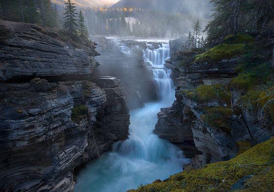 Athabasca Falls, 30km south of Jasper, Canada