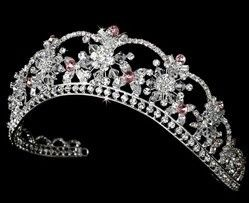 I think women should be able to wear crowns and tiaras everyday. #swarvoski #tiara #crown #bridal shenanigans