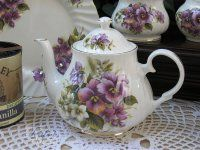 Heirloom English Pansy 4-cup from Teapots & More