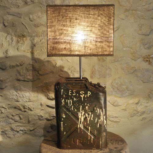 lampe jerrican usa abat jour toile de jute 79 90 euros en vente sur. Black Bedroom Furniture Sets. Home Design Ideas