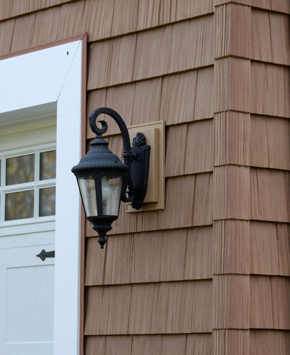 Vinyl siding that looks like natural cedar but requires Vinyl siding that looks like stone