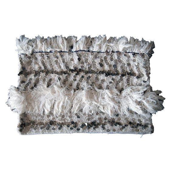 Stream cushion
