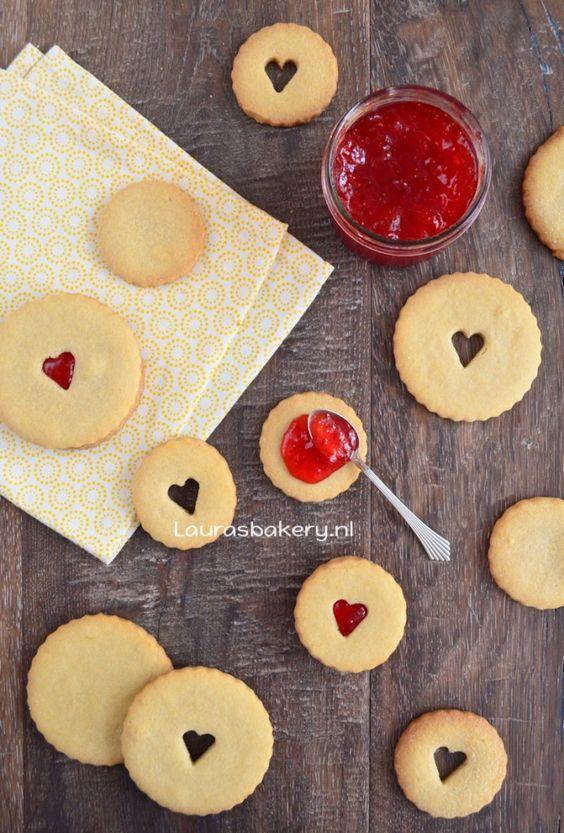 Valentijn sandwich koekjes - Laura's Bakery - Valentine sandwich cookies