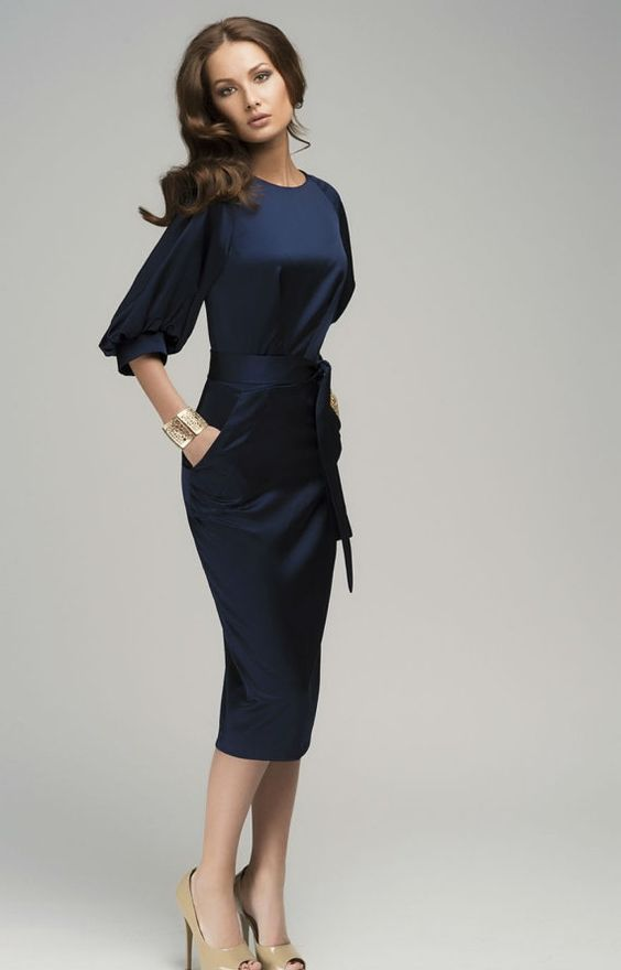 Chic Maxi pencil dress with belt ,dress with short sleeves and belt made in retro style,ideal for numerous events such as romantic diners or cocktail