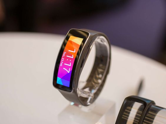 Samsung Gear Fit no funciona ni con Android ni con Tizen http://techblogeek.com/samsung-gear-fit-no-funciona-ni-con-android-ni-con-tizen/