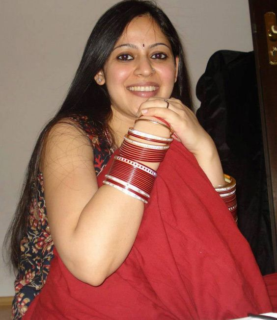 Very Beautiful Indian Bhabhi Pictures Hot Aunty
