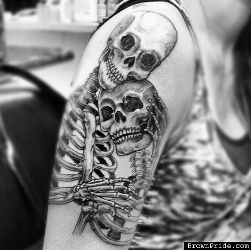 skeletons couple tattoos tattoo pinterest super tinte und wei e t towierungen. Black Bedroom Furniture Sets. Home Design Ideas