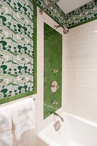 Fun bathrooms: White Tile, Kids Bathroom, Tile Idea, Green Accent, Subway Tile, Bathroom Ideas, Tile Bathroom, Green Tiles, Bathroom Tile