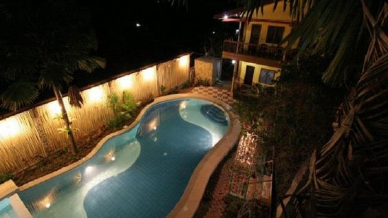 Darayonan Lodge | Coron Philippines Visit us @ http://phresortstv.com/ To Get your customized Web Video Promo Commercial for your Resort Hotels Hostels Motels Flotels Inns Serviced apartments and Bnbs. Darayonan Lodge is located in No. 132 National Highway Barangay 1 Poblacion Coron Philippines Stop at Darayonan Lodge to discover the wonders of Coron. The hotel offers a high standard of service and amenities to suit the individual needs of all travelers. To be found at the hotel are daily…