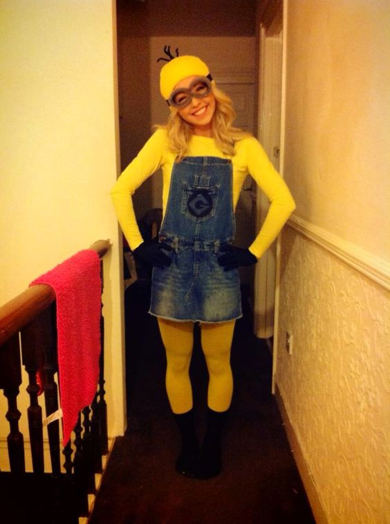 Despicable Me Minion Halloween Fancy Dress Yellow Group Outfit. Easy DIY homemade halloween. fancydress costumes How to here: http://www.clothesandstuff.co.uk/2013/11/h-l-l-o-w-e-e-n.html#.VrB-TvmLTIU