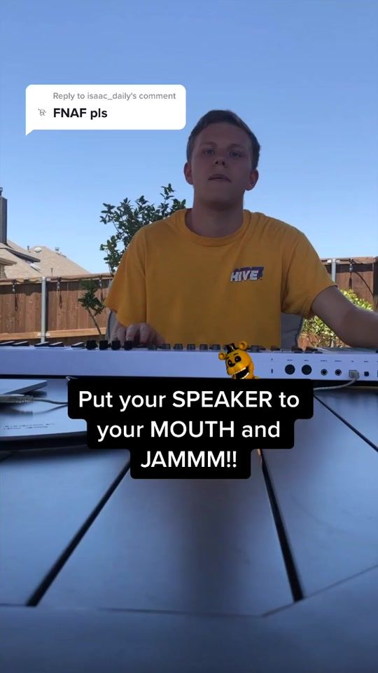 I Elizabechaks Me Explaining A Song I Heard Years Ago Only Knowing The Melody Google Ifunny Funny Facts Really Funny Memes Stupid Funny Memes
