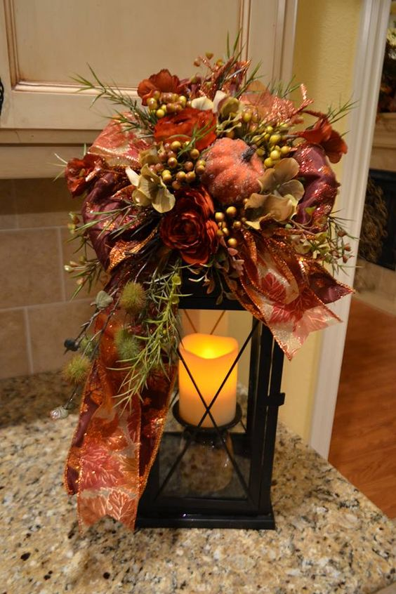 Autumn candle lantern fall decorating and centerpiece for Fall candle centerpiece ideas