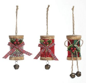 """Wooden spool ornaments. A great """"tie on"""" for a seamstress' Christmas gift."""