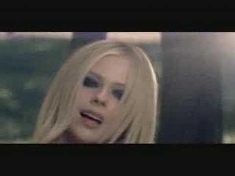 ▶ Avril Lavigne - Keep Holding On - YouTube ***ORIGINAL