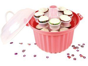 Make bringing cupcakes to her next fund-raising event happen in style in style! #cupcake #bake