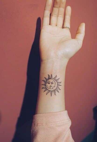Tatuajes De Sol Y Luna 80 Disenos Y Estilos Diferentes Tatuaje De Sol Tatuajes Originales Para Mujer Tatuajes