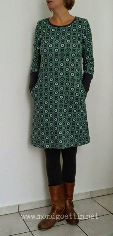 Kleid aus Alpenfleece genäht Der Schnitt ist ein Mix aus Rock- und Shirtschnitt.