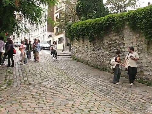 Funny dog in Montmartre Video | Francesco Dazzi | Flickr