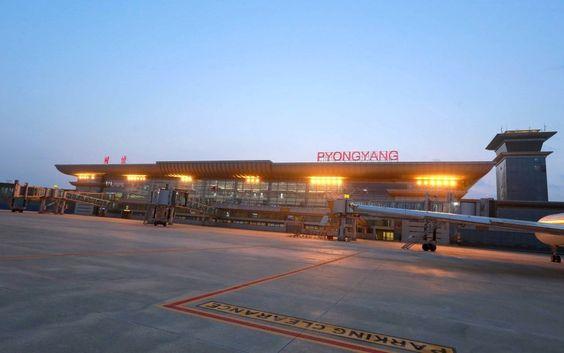 The new International Terminal of Pyongyang Airport, North Korea | Neues Terminal des Flughafens von Pjöngjang, Nordkorea