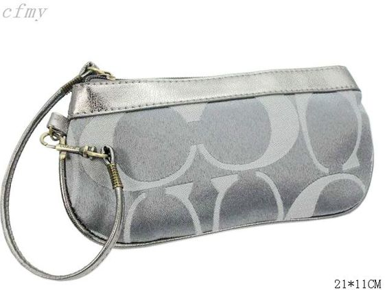 Coach Cosmetic Bags Outlet