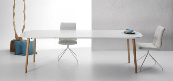 Table Oqui extensible ovale 160-260 cm, naturel et blanc   Tables