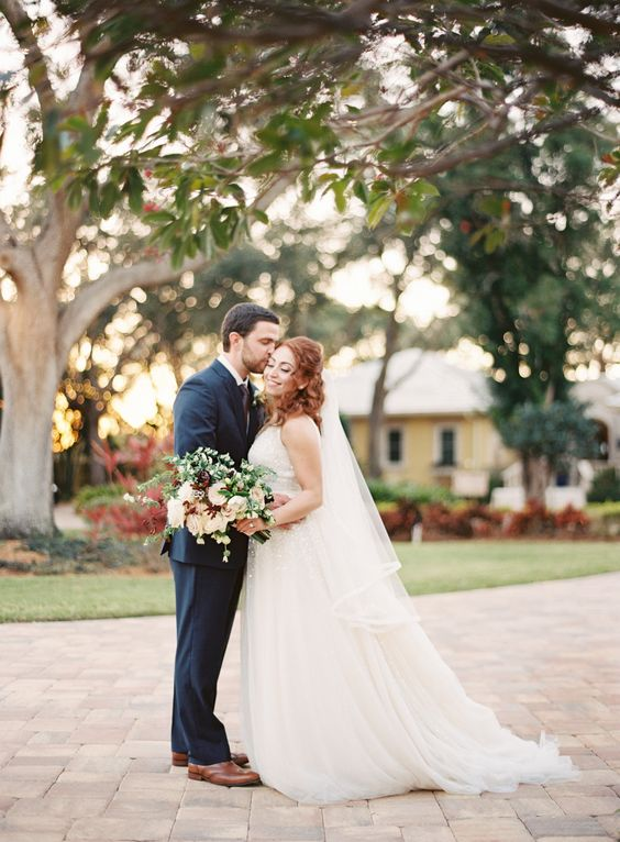 Photography : Justin DeMutiis Photography | Wedding Dress : Inbal Dror Read More on SMP:…