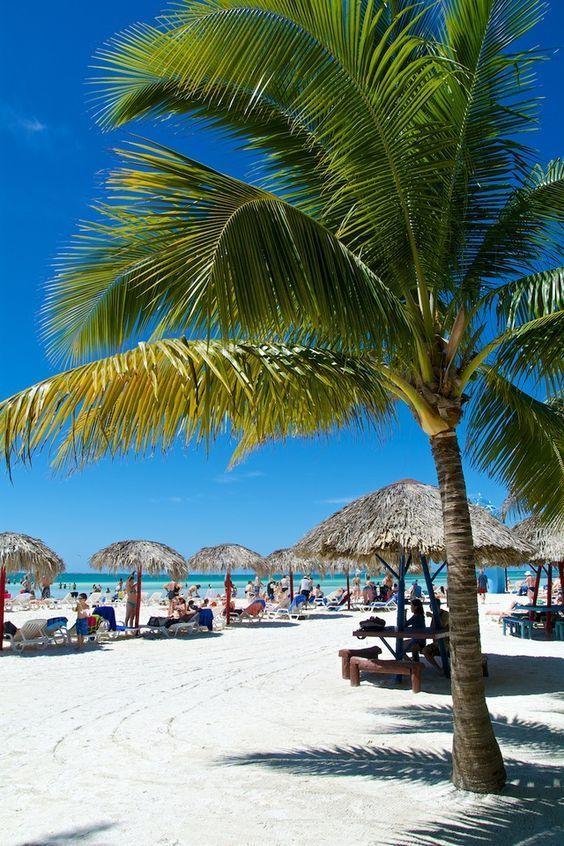 All Inclusive en in een 4⭐⭐⭐⭐ resort genieten van CUBA 🌴 Voor een spotprijs is deze vakantie van jou! Ontspan naast het zwembad of op één van de stranden en vergeet vooral de hoofdstad Havana niet te bezoeken om de mooiste old timers te spotten! https://ticketspy.nl/deals/all-inclusive-en-4-genieten-van-cuba-9-dagen-va-e760/