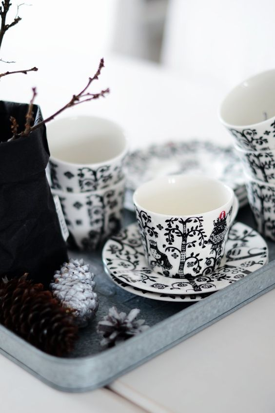 "Iittala ""Taika"" black and white set"