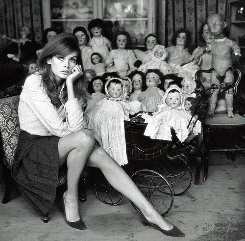 Terry O'Neill, Jean Shrimpton, Dolls