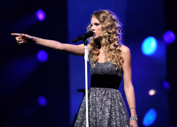 """Taylor Swift Photos - """"We're All For The Hall"""" Concert for Country Music Hall of Fame - Show - Zimbio"""