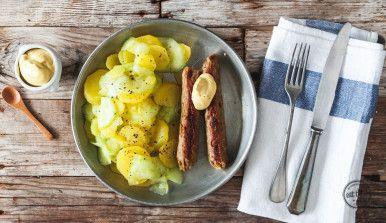 Vegane Bratwürste mit Kartoffelsalat