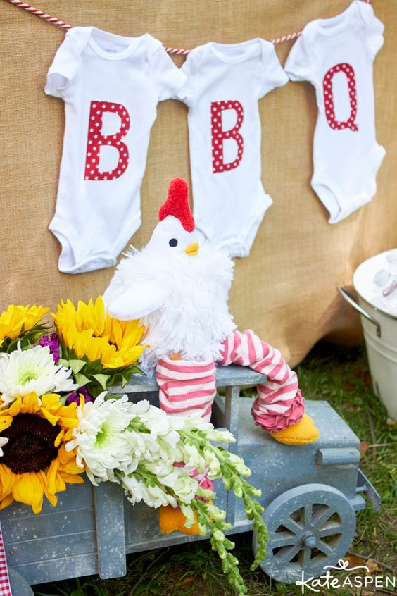 How to throw a relaxed co ed baby q gifts cute onesies for Baby shower bbq decoration ideas