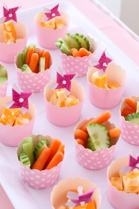 """Can use our recycled """"frozen"""" yogurt cups Healthy treats - gezonde traktaties. Gezond kan ook feestelijk zijn. Traktatie met groente."""