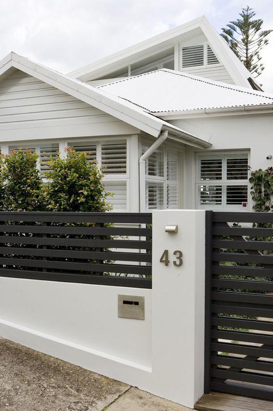 Fence Encima Del Muro Modern Fence Design Modern Front Yard House Entrance